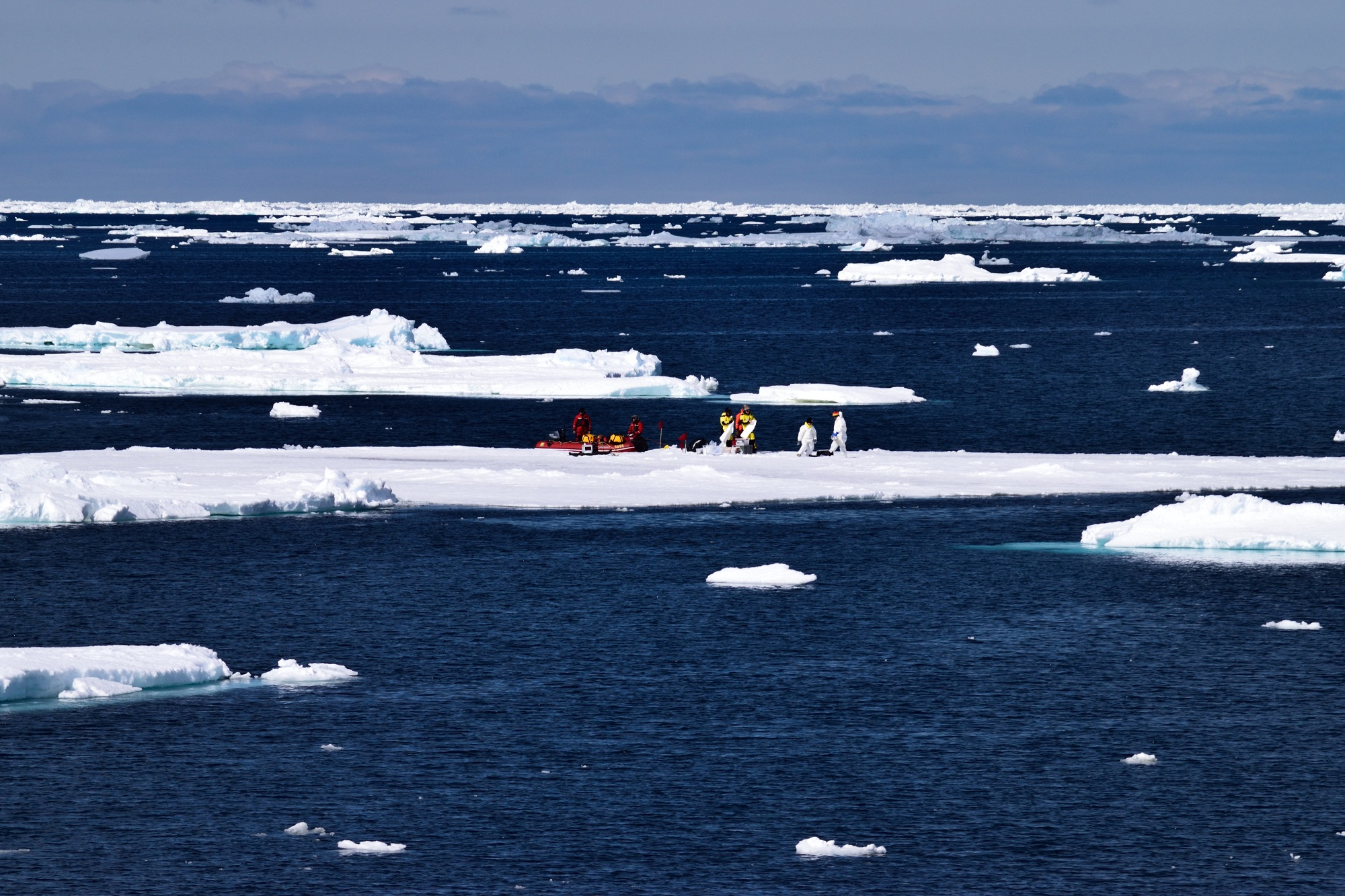Ice floe team Delphine Lannuzel